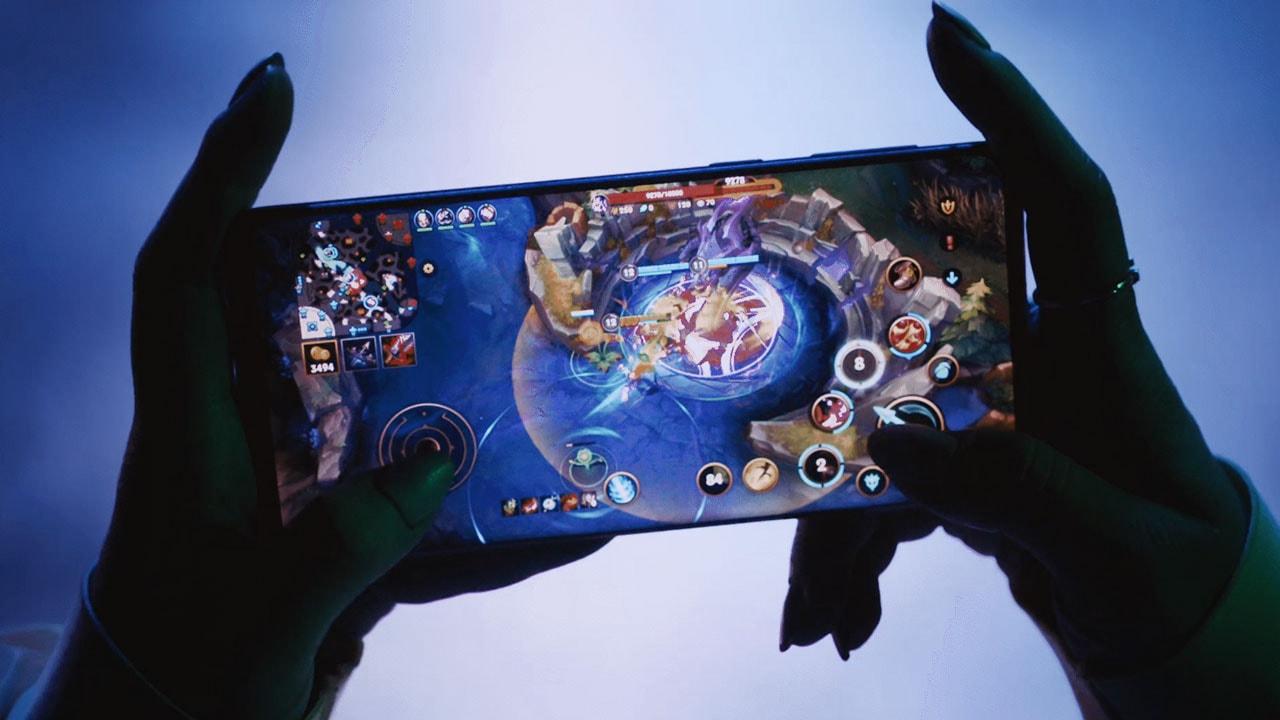 League of Legends - Riot Games Handheld
